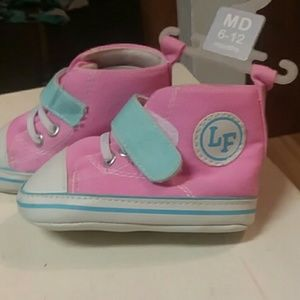 Other - NW 💓💓💓Pink and blue Velcro strap shoes